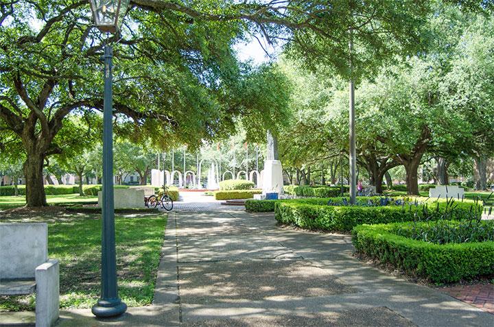 Spanish Plaza Park